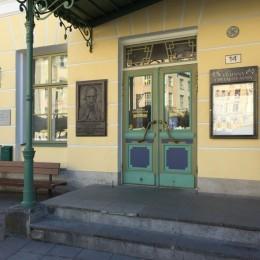 En månads separat eller duo utställning i Lärarnas hus i Tallinn