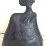 naemi-bure-patinerad-kvinnofigur-m-harprydnad-1