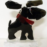 elisabet-linna-persson-glassdog-on-stone-base-with-bandanna