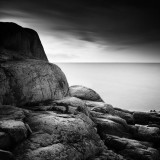 frang-dushaj-rocks-and-sea